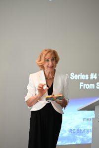 Stiftungsratvorsitzende Monika Gubler empfängt Stipendiaten und Referenten
