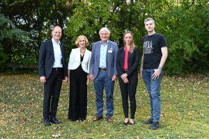 Dr. Marc Steckling, Monika Gubler, Prof. Ernst Messerschmid, Nicole Gubler und Robert Böhme (von links nach rechts))